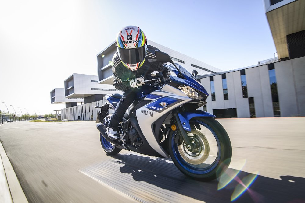 Yamaha YZF-R3 Review