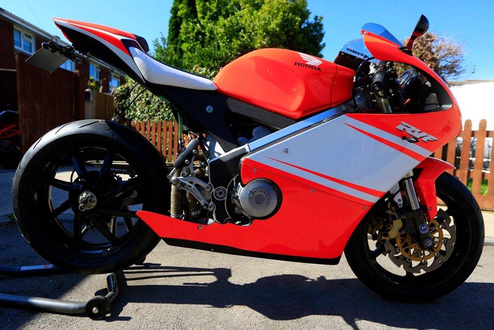 Stunning Honda RVF400 NC35