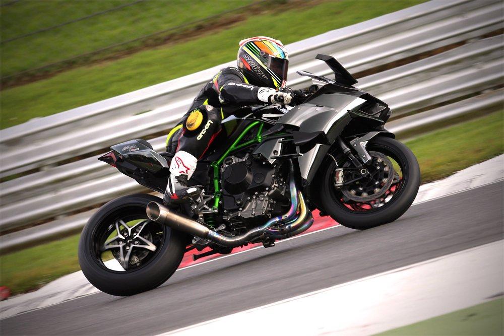 Ridden: Kawasaki H2R