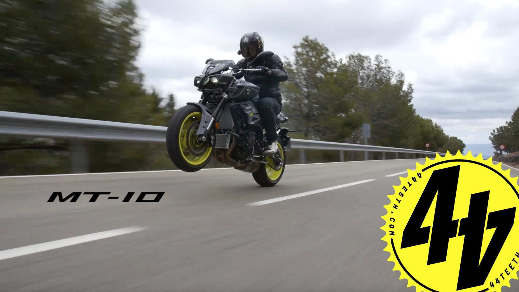 Video: Yamaha MT-10 Review