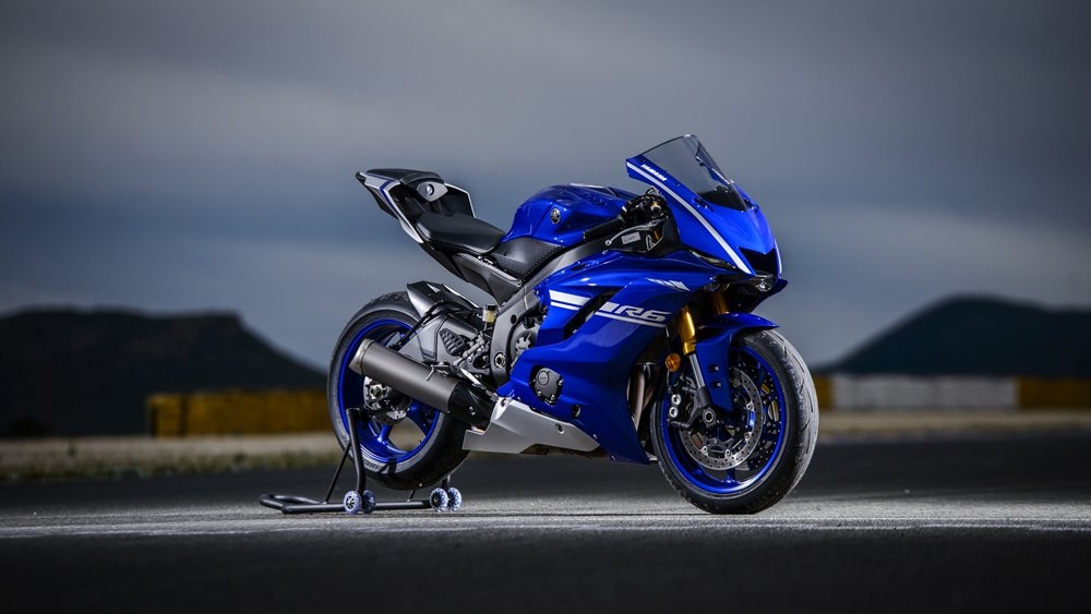 Video: 2017 Yamaha R6 Review