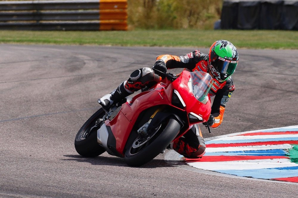 Panigale V4 makes BSB debut at Thruxton