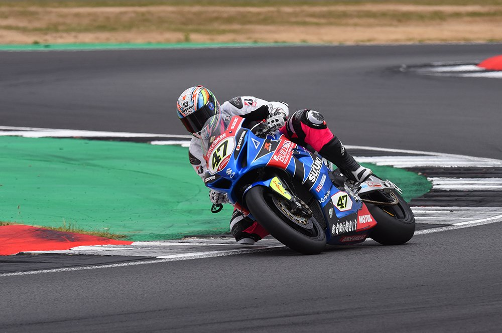 Riding Buildbase Suzuki's British Superbike