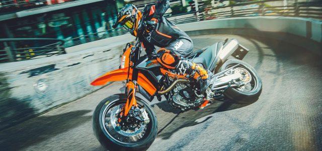 2021 KTM 690 SMC R and Enduro R