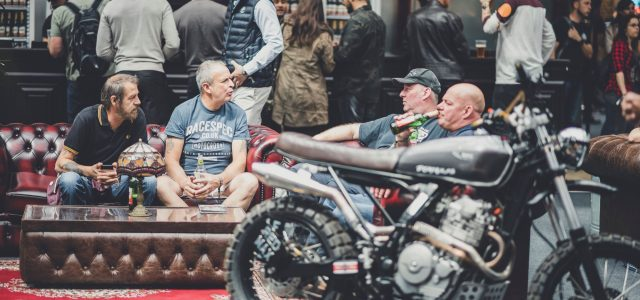 Top 5 – People to avoid at a bike café